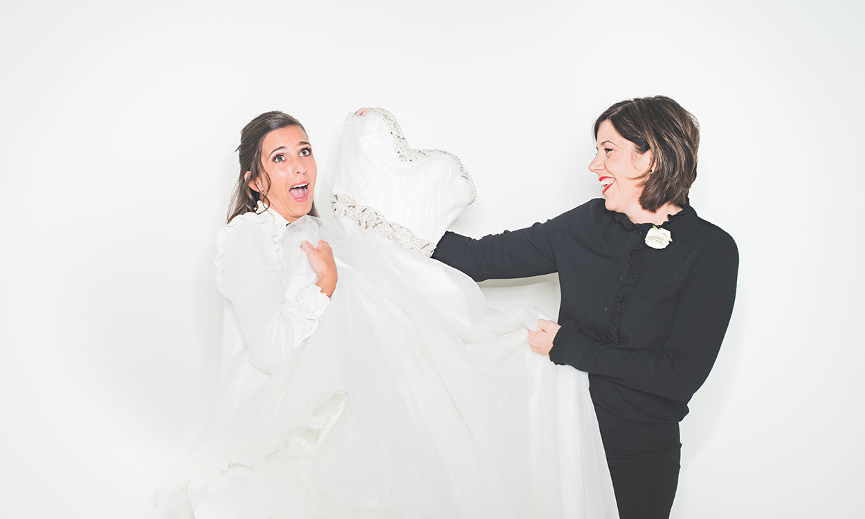 bruidsjurken passen bij Brides4fun