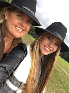 hoed Zonder jou. De dochter van Eugeniek overleed op haar 20-ste onverwachts aan een hartstilstand: 'Lotje is er nog steeds bij'