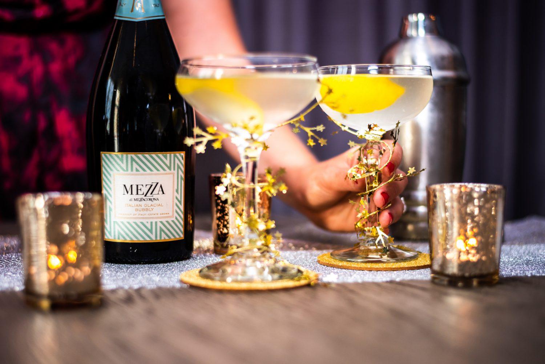 Elderflower Cocktail 1 kopie e1543820291675 Het ultieme drankje voor een gezellig avondje!