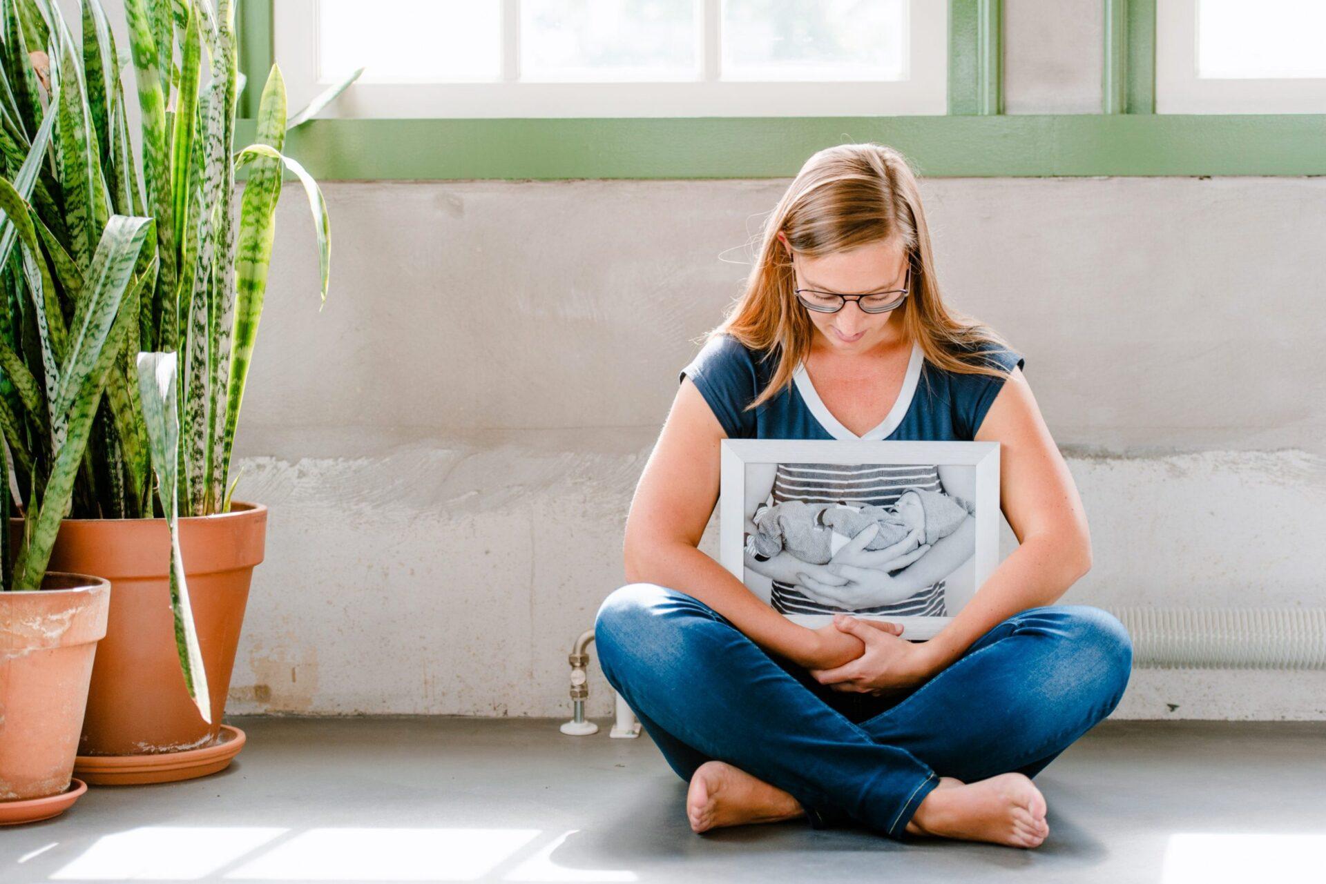Fotoreportage HiskeKuilman 16 e1560328205738 scaled Hiske over het verlies van haar baby: 'Kort na de ruggenprik werd Hugo uit mijn buik getild. Het was alleen stil, veel te stil.'