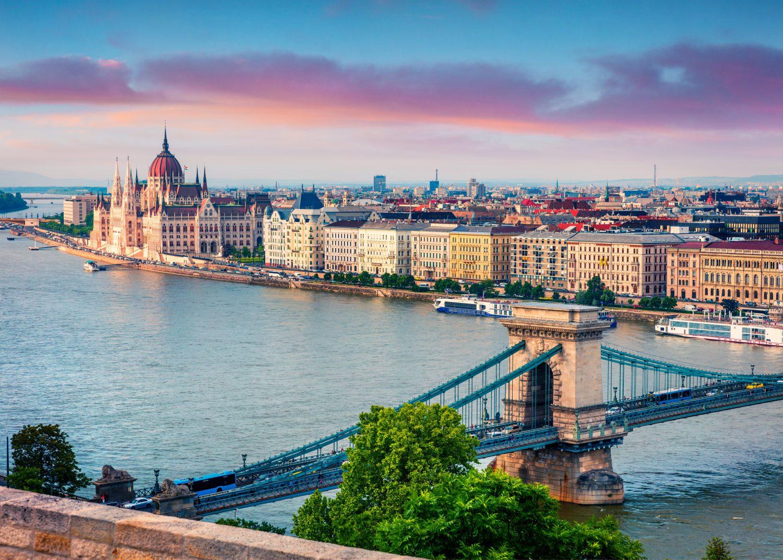Header website boedapest e1553522589248 Dé zonnige stedentrip voor een weekend weg