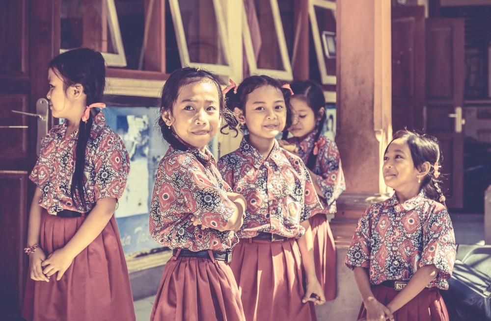 Het Schoolfonds Larissa en Sandra vertrekken vandaag naar Bali: 'We bieden meisjes de kans om een opleiding te volgen'