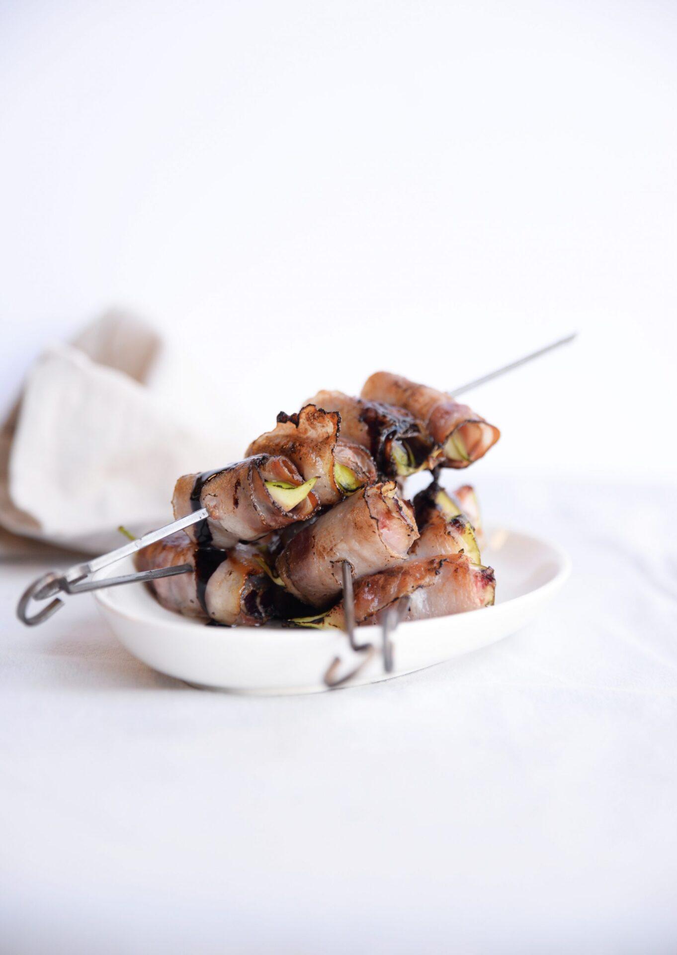 Vijgen pancettaspies met balsamico 4 scaled Een heerlijk recept voor de Italiaanse BBQ! Vijgenspiesjes met pancetta en vijgenbalsamico