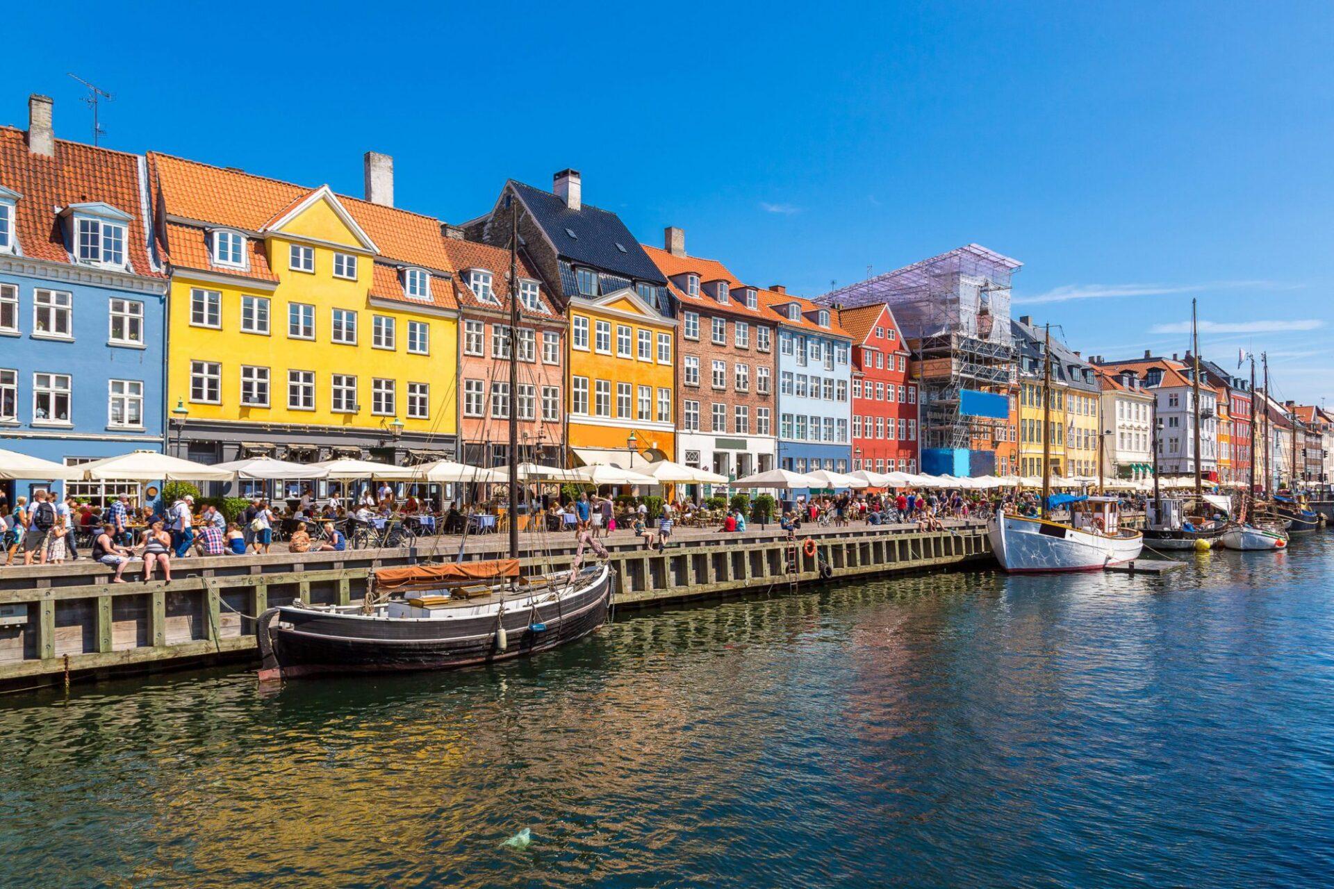 shutterstock 342256736 e1555655081769 Dit zijn onze favoriete lunchadresjes en shops in Kopenhagen