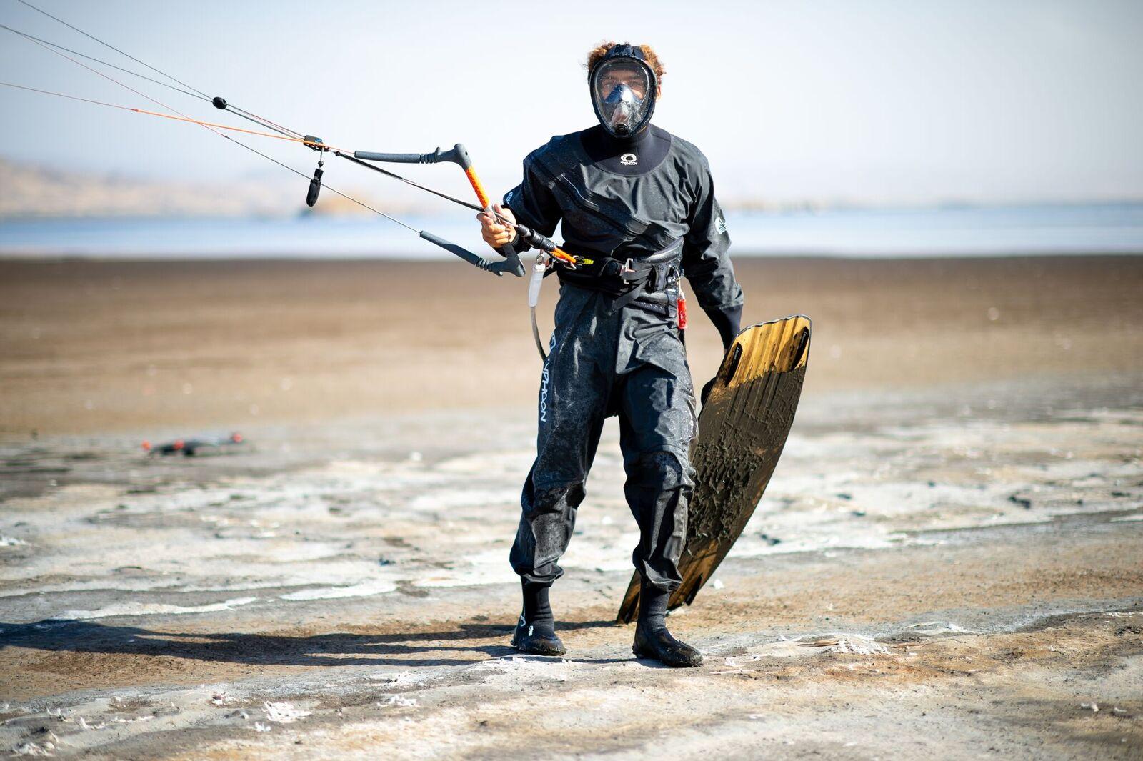tpdK4dwg 2 Roderick Pijls trotseert hoge temperaturen op het giftige Lake Natron