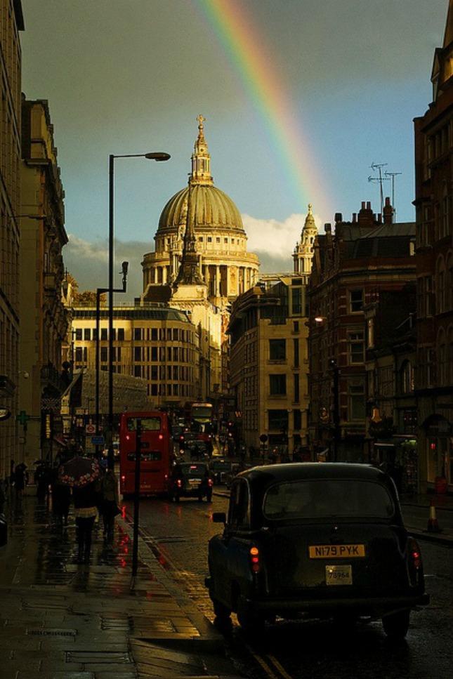 19 regenboog op onverwachte plekken #geluksmoment