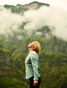 wendy masomichei 534 1 Anouk Smulders op yogareis: 'Ik voel kracht'