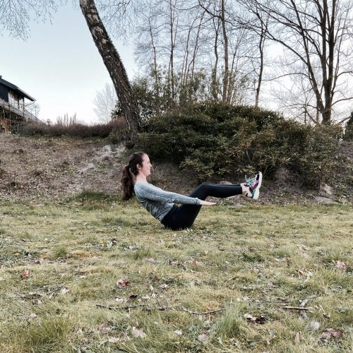 boat pose Kelby's 10 minuten Body Weight workout