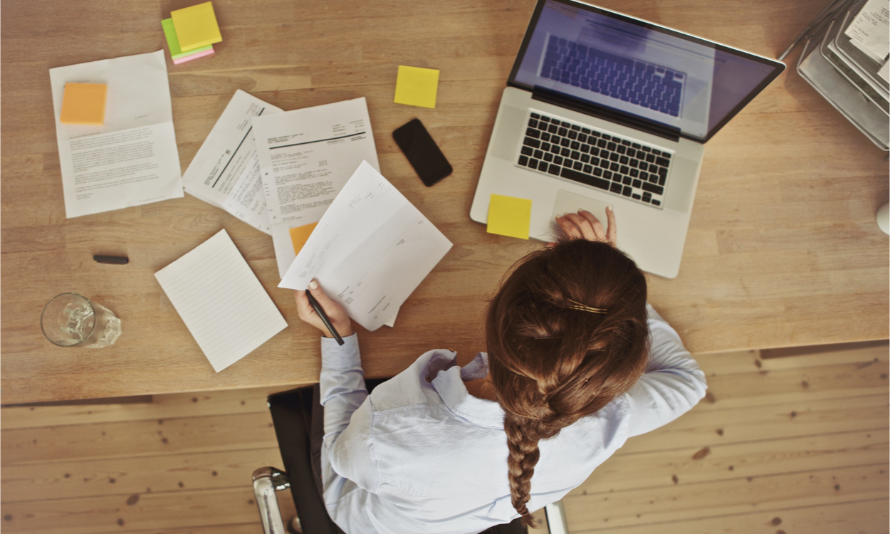 signalen van overprikkeling op je werk