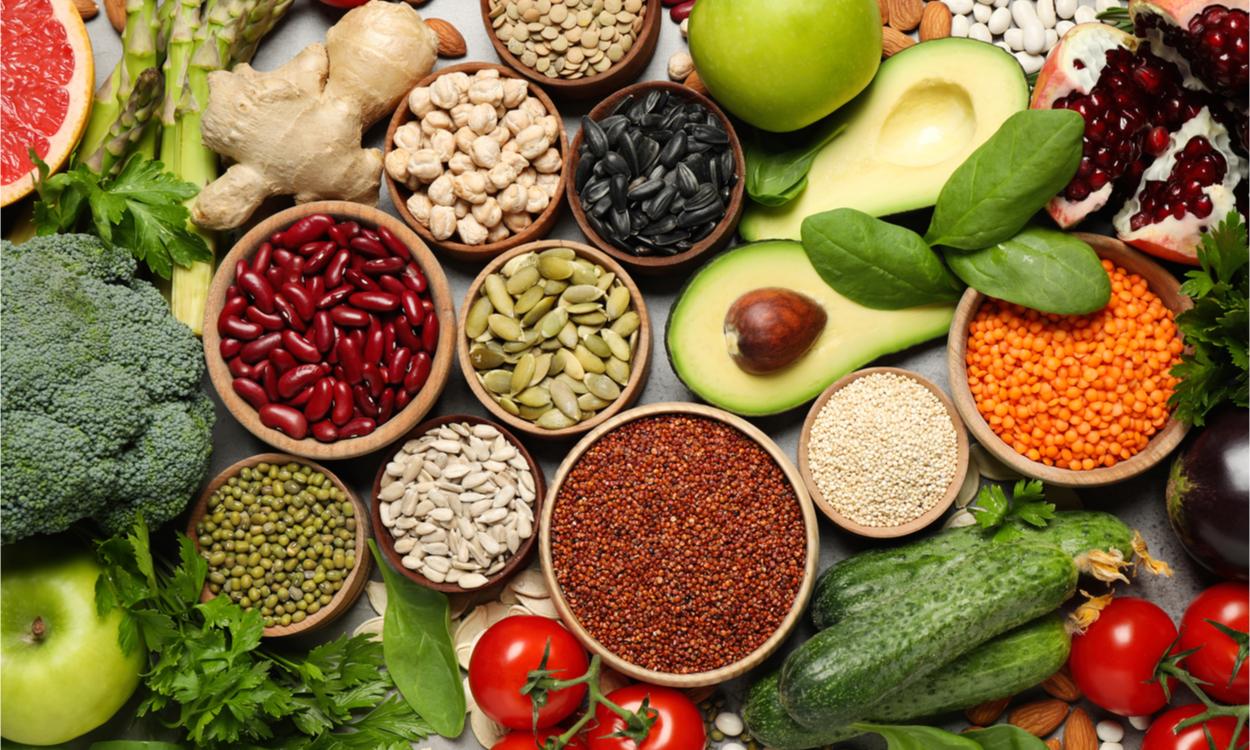 Headerimmuunsysteem Zo master je je immuunsysteem: tips om via voeding en leefstijl je fysieke veerkracht te ondersteunen